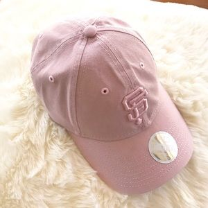 Brand new New Era SF Giants pale pink baseball cap